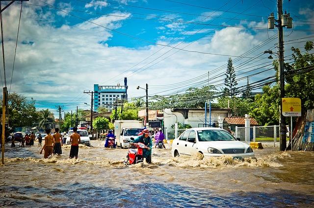 povodeň ve městě