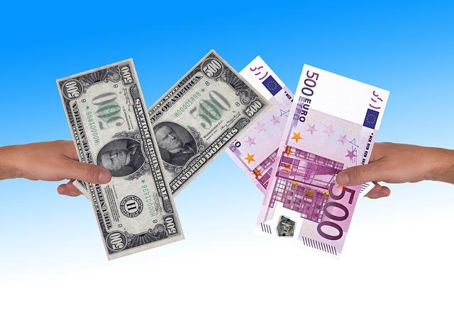 dolary a eura